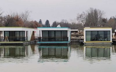 Elkészültek a Marinus prototípus úszóházak